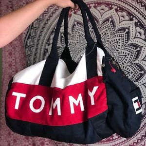 Tommy Hilfiger Bags - NWOT🔥Tommy Hilfiger Duffle Bag